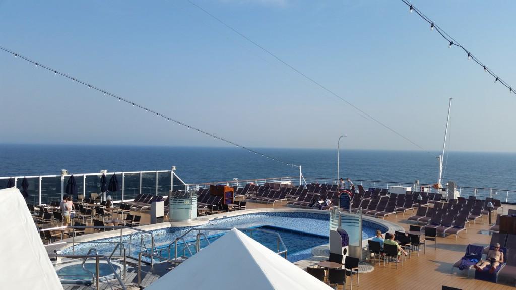 030 Eurodam op zee