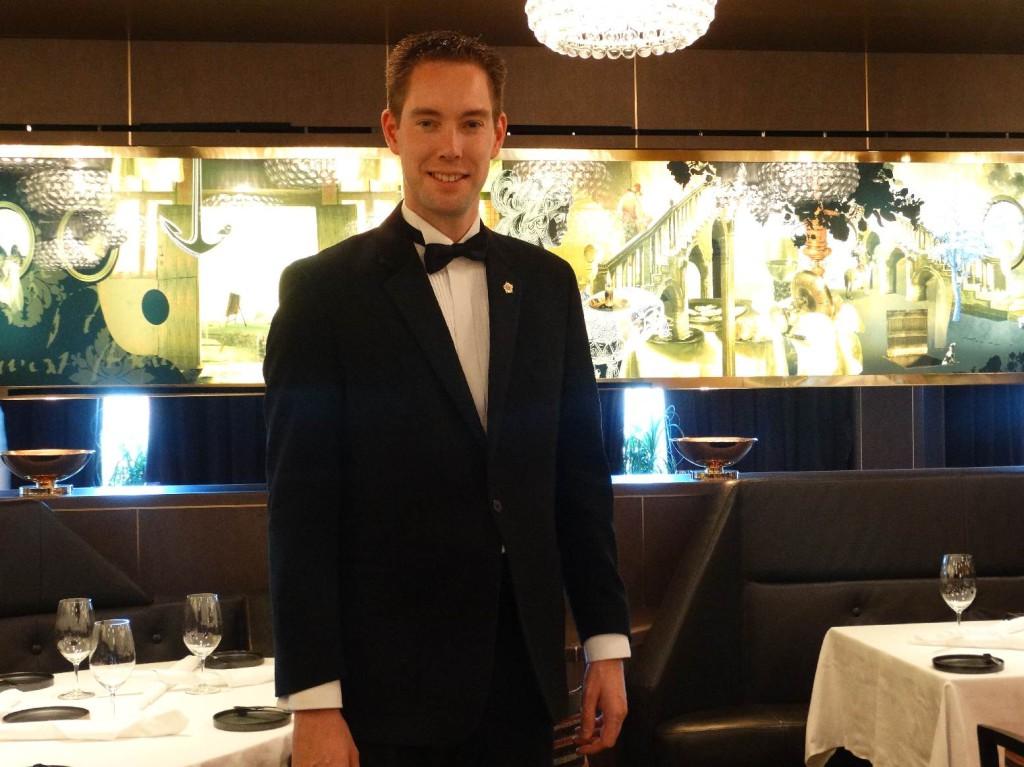 Restaurantmanager Martijn (foto op de Eurodam gemaakt)