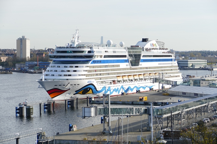 AIDAluna in Kiel