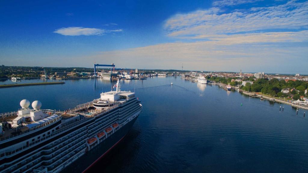Cunard in Kiel - foto Finn Karstens