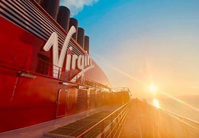 Virgin Voyages: Eerste beelden van nieuw cruiseschip Scarlet Lady